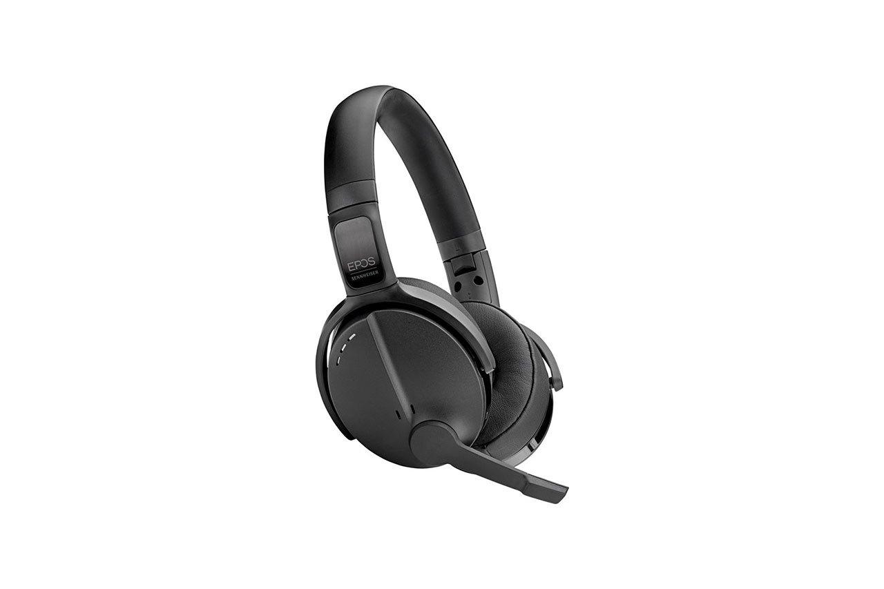 ADAPT-560-On-Ear-03
