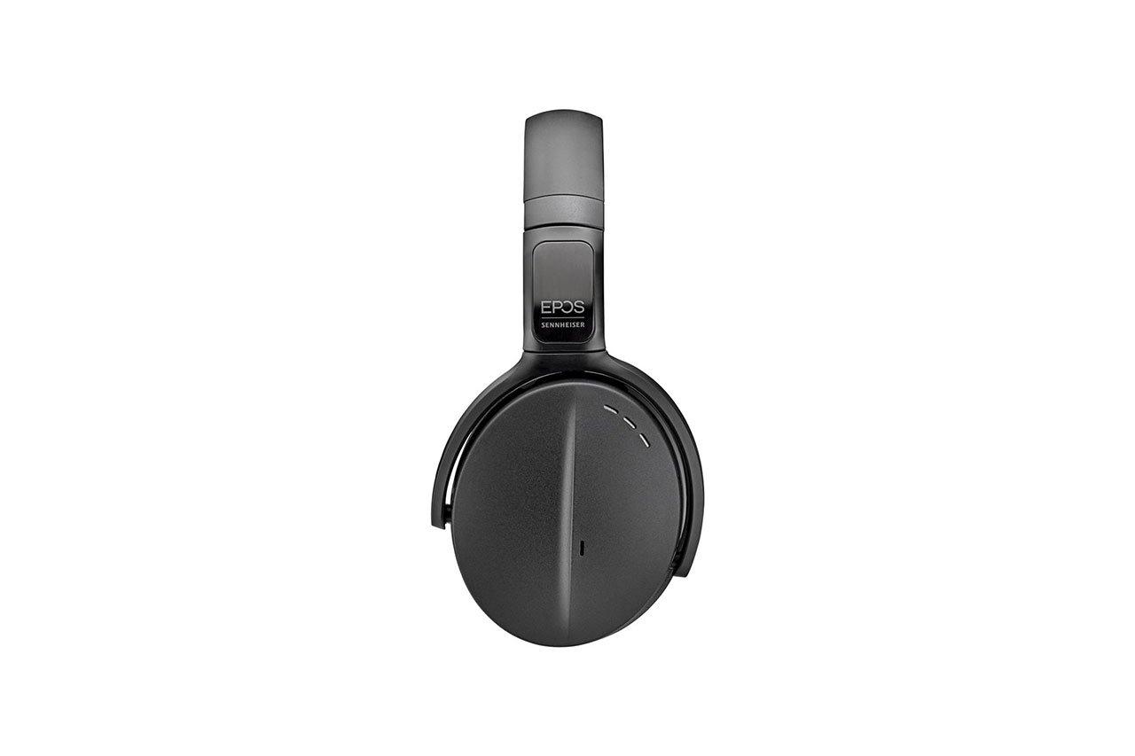 ADAPT-560-On-Ear-04