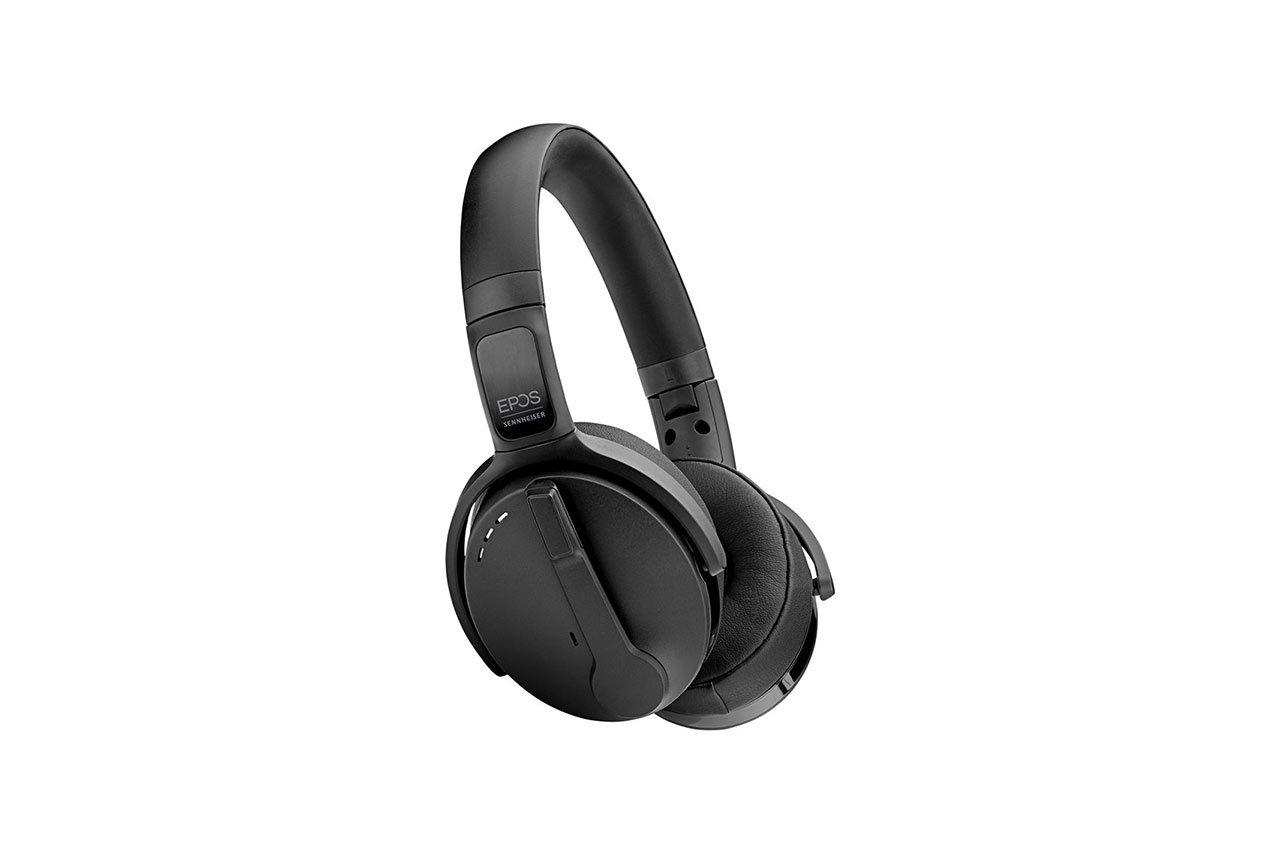 ADAPT-560-On-Ear-05