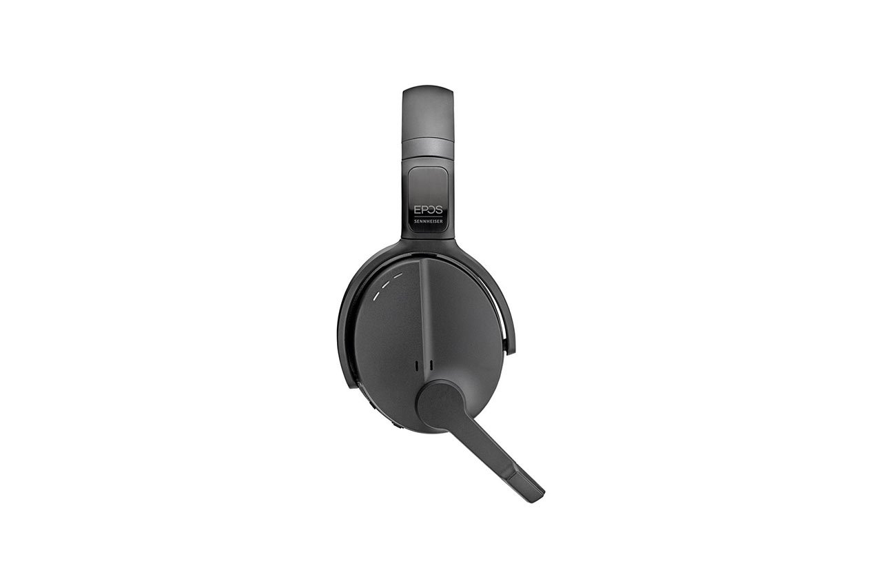 ADAPT-560-On-Ear-06