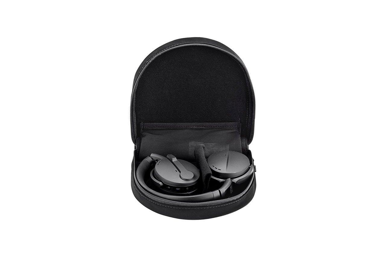 ADAPT-560-On-Ear-07