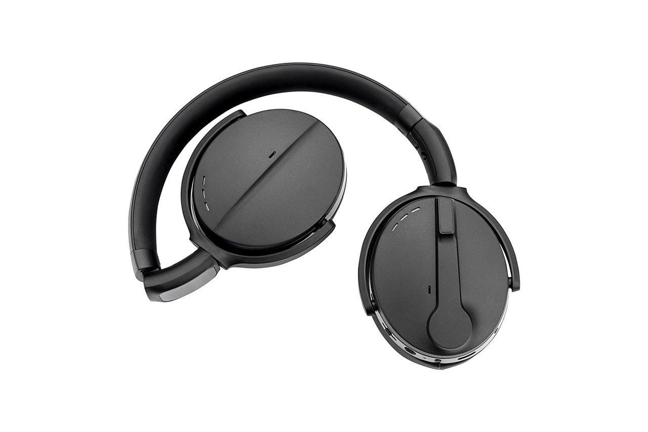 ADAPT-560-On-Ear-11